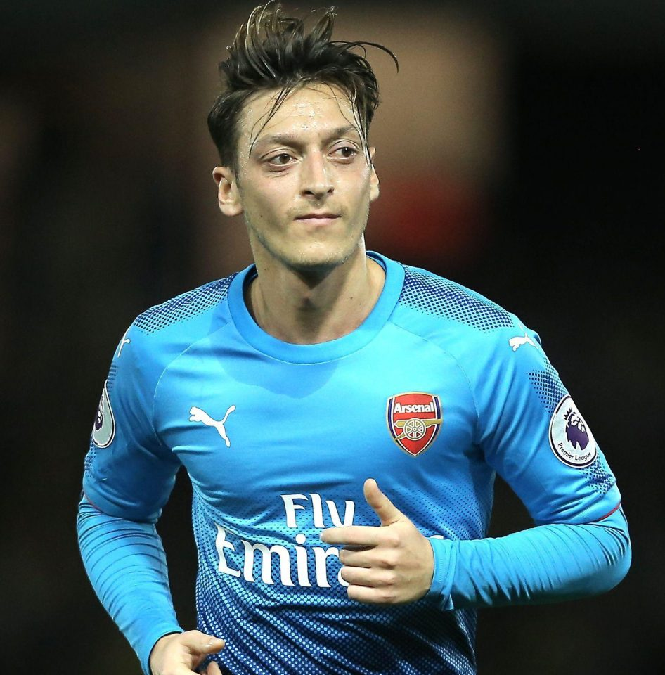 Photo of ARSENAL STAR MESUT OZIL DENIES MANCHESTER UNITED RUMOURS AND IS 'ANGRY' OVER 'CAMPAIGN' LINKING HIM WITH EXIT