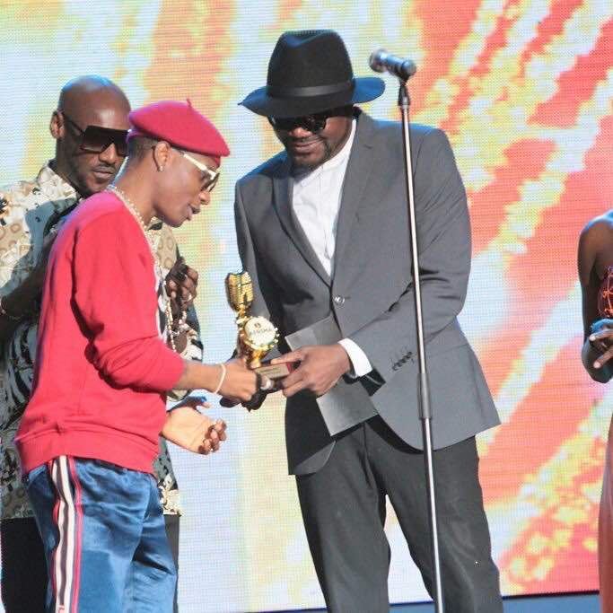Photo of 2BABA, SIMI, WIZKID, TIWA SAVAGE WIN BIG AT #AFRIMA2017 . CHECK OUT THE LIST OF WINNERS