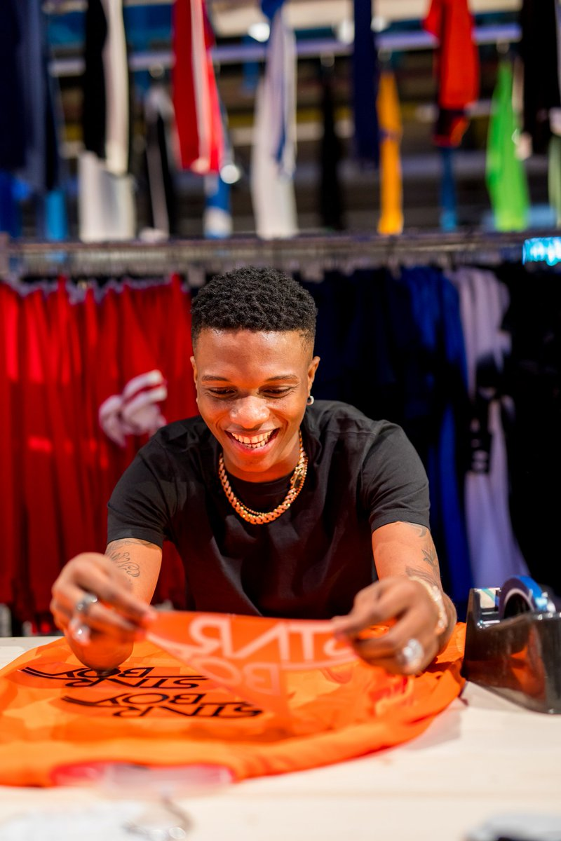 Photo of WALKING INTO BIG MONEY. WIZKID SIGN A PARTNERSHIP DEAL WITH NIKE.