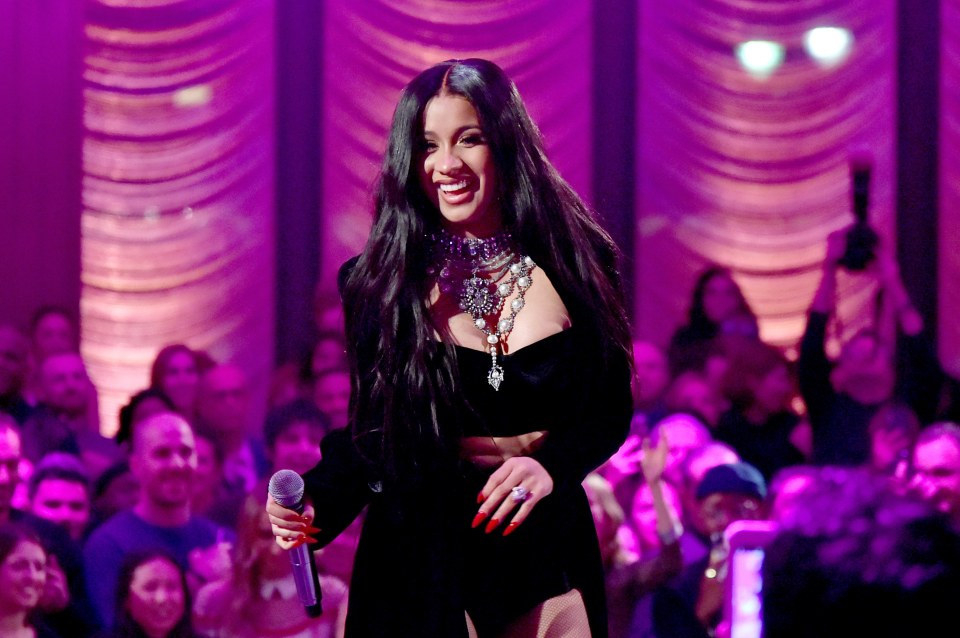Photo of CARDI B SURPASSES BEYONCÉ FOR MOST SIMULTANEOUS HOT 100 ENTRIES HELD BY A WOMAN ARTIST.