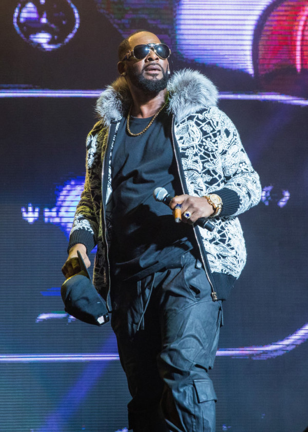 Photo of R. KELLY DROPPED BY SONY MUSIC
